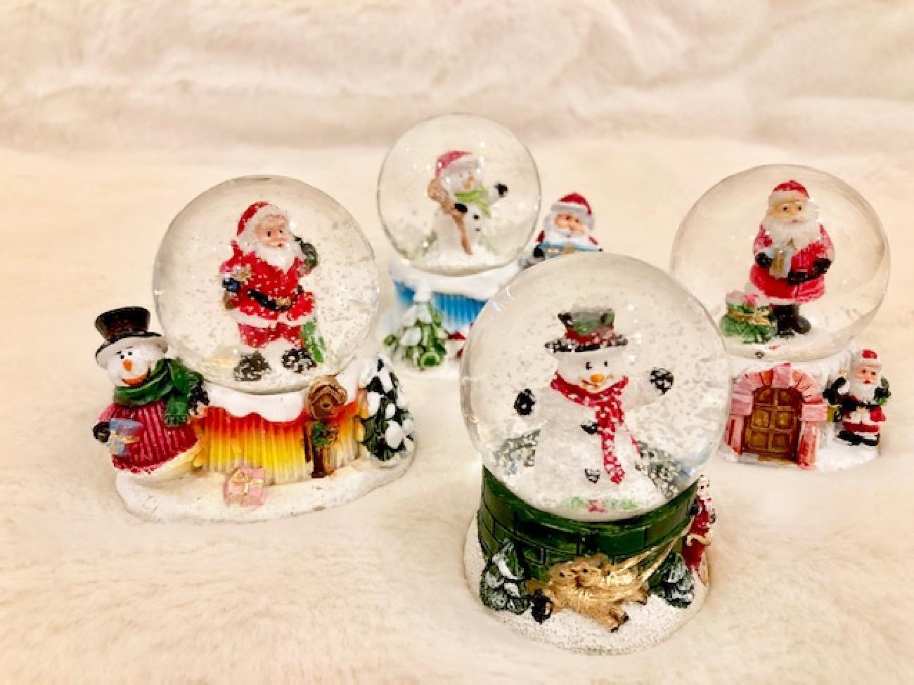 クリスマス/スノードーム/ギフト/スノーマン/サンタクロース