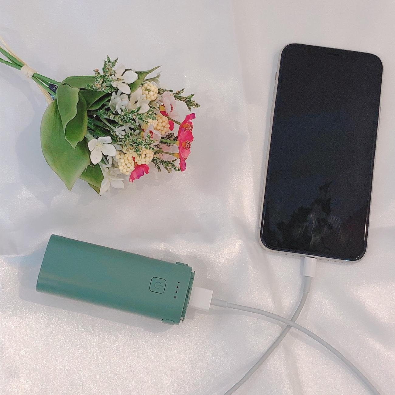 ミニ扇風機/モバイルバッテリー/暑さ対策/USB充電/持ち歩き/夏雑貨