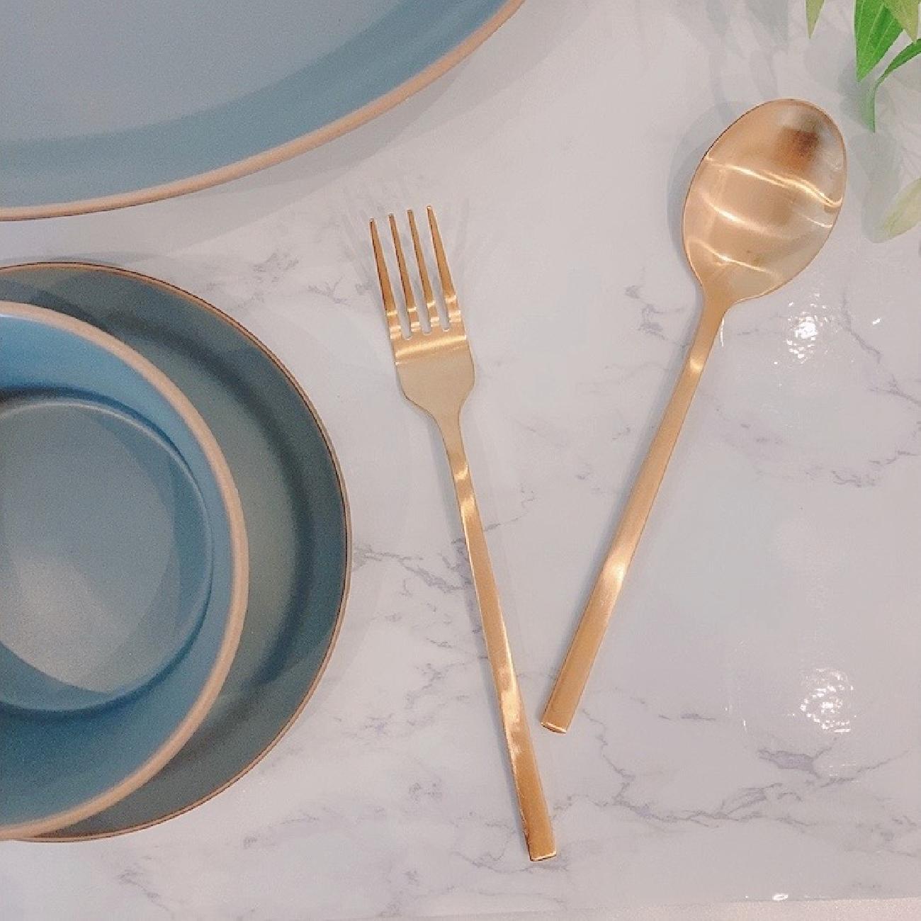 カトラリー/フォーク/スプーン/お洒落/おしゃれ/オシャレ/大人可愛い/ゴールド/食卓/テーブル/テーブルコーディネート